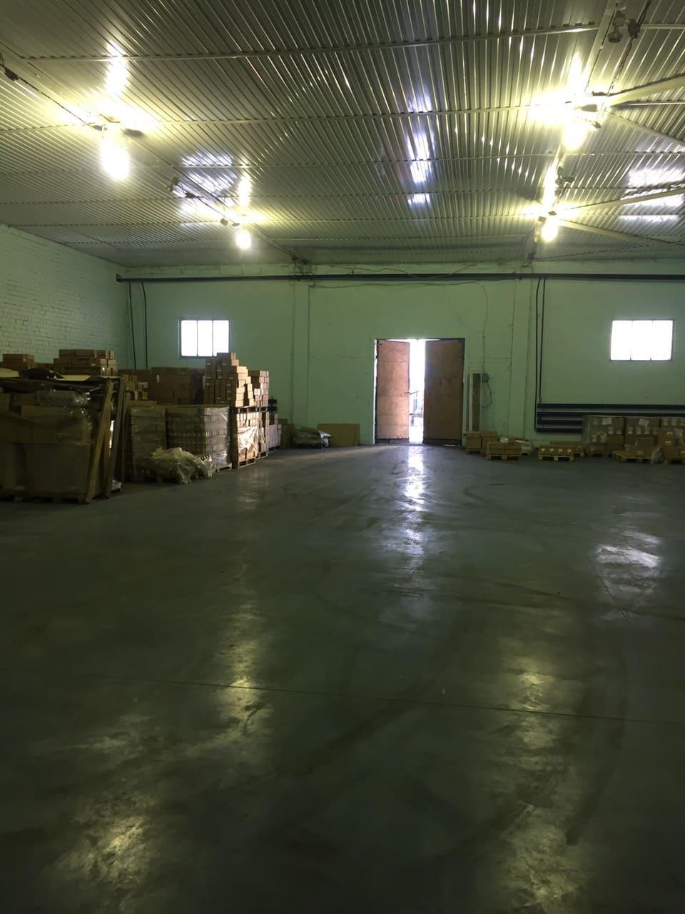 После планового ремонта и установки беспылевого пола с топпингом возобновил свою работу теплый склад класса В, и на сегодняшний день для аренды на данном складе доступна площадь в 1000м2.